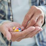 Risiko Übermedikation steigt im Alter